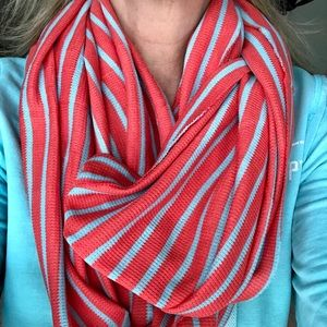 NWT gap infinity scarf coral and blue
